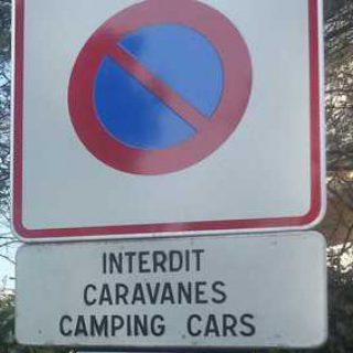 interdit aux camping car